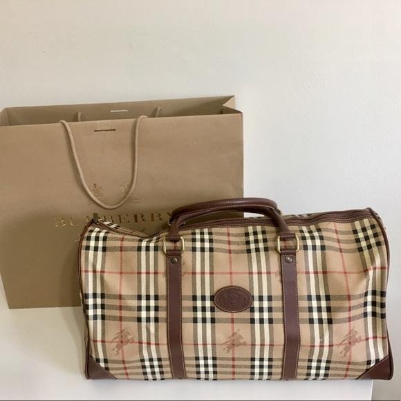 Burberry Handbags - Authentic unisex large Burberry nova check bag 01b27ea580746